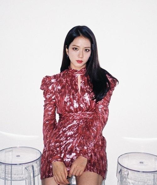 Ji Soo quyến rũ trong sự kiện mới đây.