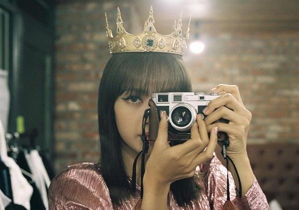 Lisa đội vương miện