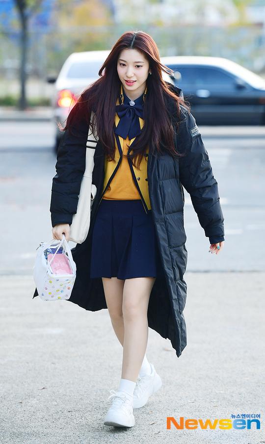 Thành viên Su Yun của Rocket Punch còn mang theo cả hộp cơm trưa khi đi thi Đại học.