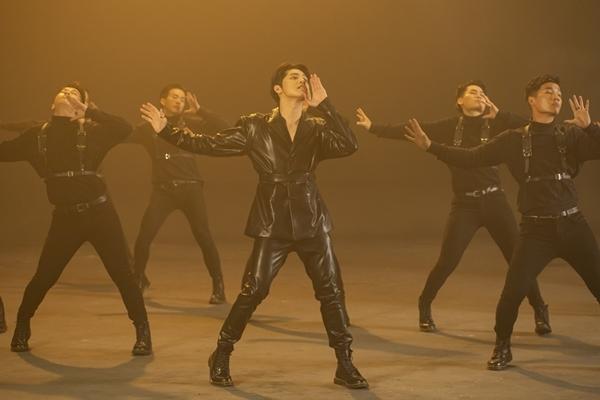 Phần vũ đạo trong MV.