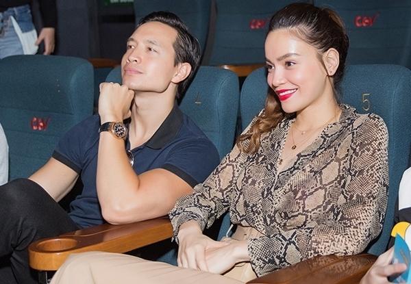 Cô cùng bạn trai Kim Lý dõi theo những thước phim trong rạp. Thời gian qua, cặp đôi liên tục thể hiện sự mặn nồng, công khai khi xuất hiện chung tại sự kiện hay khoảnh khắc ngôn tình trên trang cá nhân.