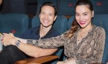 Hồ Ngọc Hà nắm tay Kim Lý xem phim lúc nửa đêm