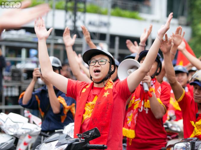 <p> Để giành vé vào vòng loại thứ 3 World Cup 2022 khu vực Châu Á, thầy trò HLV Park Hang-seo phải giành được ngôi đầu bảng hoặc lọt vào nhóm 4 đội nhì bảng xuất sắc nhất.<br /><br /> 20h tối nay, trận Việt Nam - UAE diễn ra trên SVĐ Mỹ Đình.</p>