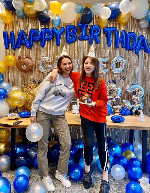 Kỳ Duyên lần thứ hai được Minh Triệu tổ chức sinh nhật bí mật. Cả hai đang có chuyến du lịch Hàn Quốc cùng những người bạn thân thiết.