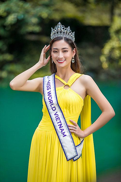 Lương Thùy Linh nói tiếng Anh lưu loát trong video gửi Miss World - 1