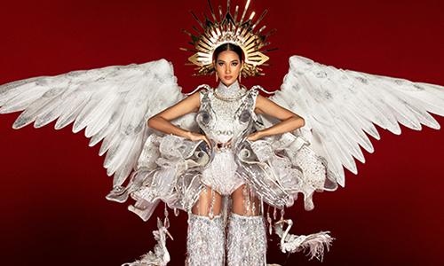 Hoàng Thùy chê cả ba bộ quốc phục ở Miss Universe