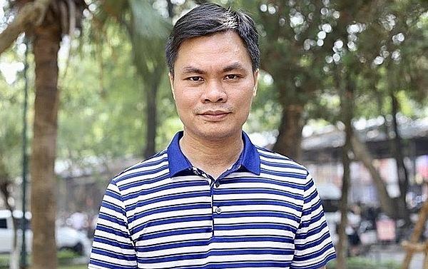 Giáo sư Sỹ Đức Quang.