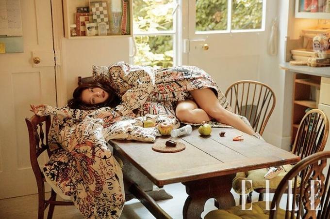 Ji Soo (Black Pink) bất ngờ chuyển style lạ trên bìa tạp chí - 2
