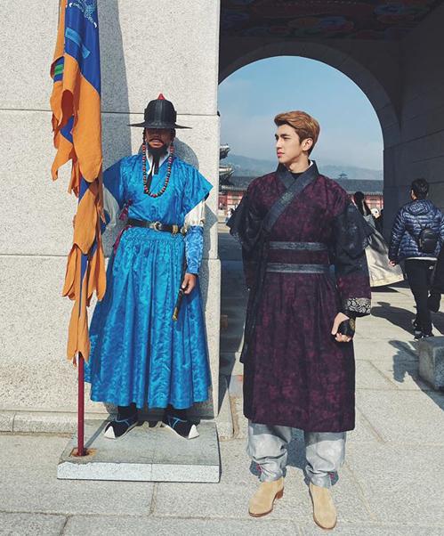 Bình An điển trai với tạo hình cổ trang Hàn Quốc.