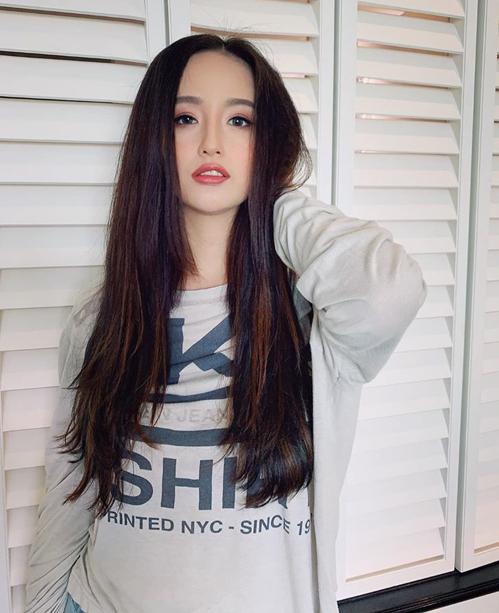 Hoa hậu Mai Phương Thúy trẻ trung như mới đôi mươi.