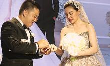 Giang Hồng Ngọc khóc khi được chồng khen 'xinh đẹp và trách nhiệm'