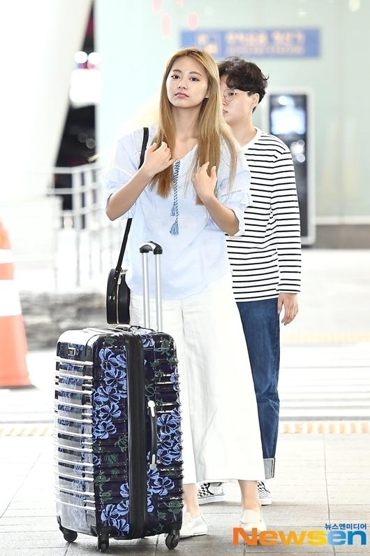 Những lần Tzuyu gây thất vọng vì style sân bay khó ngấm - 3
