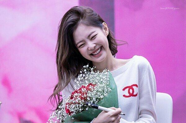 Jennie là cái tên gây bất ngờ nhất top 5 bởi không có hoạt động vẫn nhận được số điểm cao.