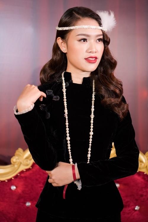 Phùng Bảo Ngọc Vân trang điểm, làm tóc mang hơi thở gatsby.