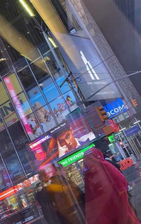 Hình ảnh Noo quảng bá cho sự kiện xuất hiện ởTime Square, New York.