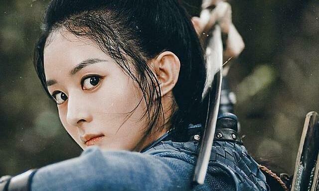 Triệu Lệ Dĩnh bất mãn vì đoàn phim ''Hữu Phỉ'' o bế nữ phụ