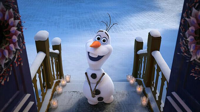 Người tuyết Olaf được đầu tư nhiều cảnh gây cười trong Frozen 2.