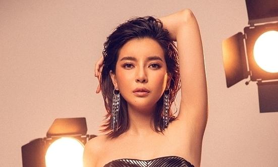 Cao Thái Hà thử sexy