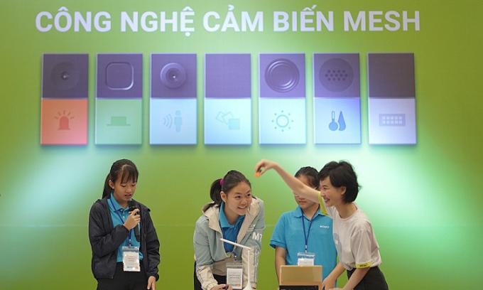 Học sinh Đà Nẵng trải nghiệm công nghệ cảm biến từ Sony