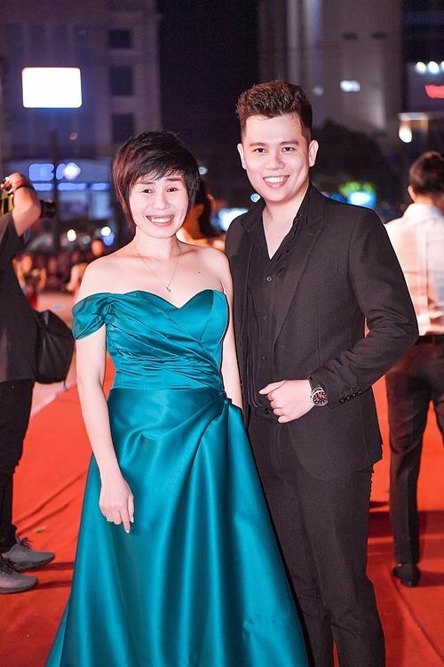 Bà Tuyết Nhung - Phó trưởng Ban tổ chức và NTK Lâm Lâm.