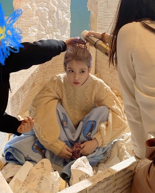 Hậu trường chụp hình quảng bá album mới của IU.