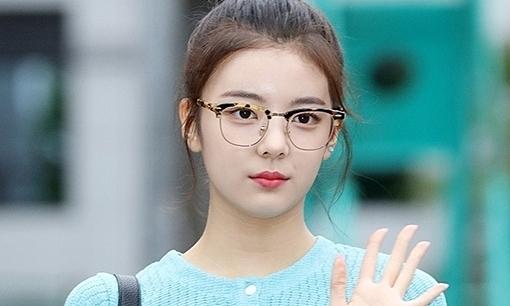 Lia (ITZY) - idol có khí chất của 3 công ty SM - JYP - YG