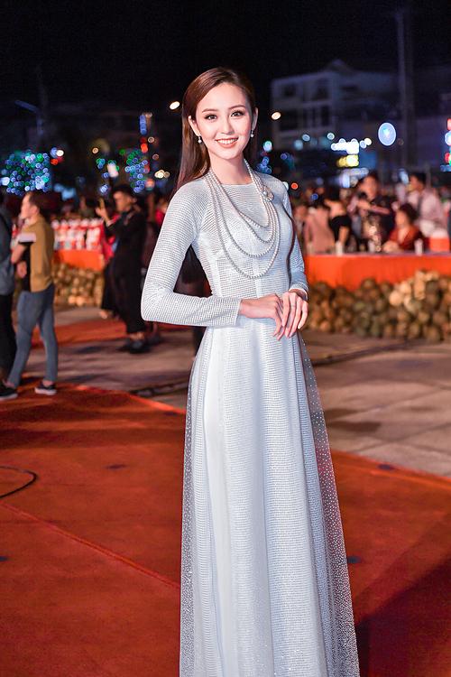Hoa khôi Nam Bộ Hải Yến.
