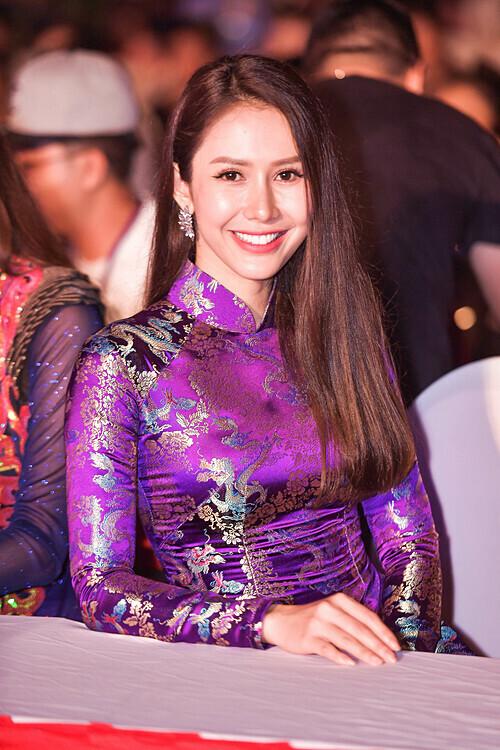 Hoa hậu Phụ nữ Việt Nam qua ảnh Phan Thu Quyên.