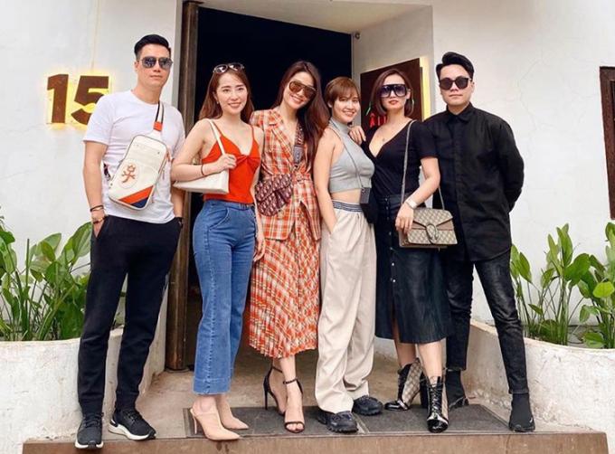 Dàn diễn viên gồm Việt Anh, Quỳnh Nga, Diễm My 9x, Huyền Lizzie, Lã Thanh Huyền và MC Thái Dũng tụ tập rủ nhau đi ăn trưa.