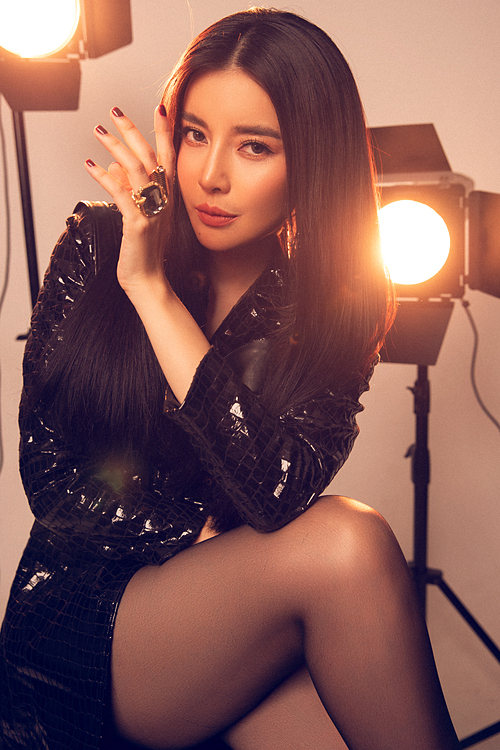 Thời gian tới, Cao Thái Hà muốn thoát khỏi hình ảnh an toàn. Cô hướng đến phong cách phóng khoáng, mạnh mẽ.