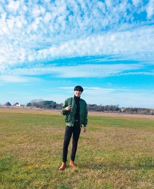 Yu Gyeom (GOT7) đăng ảnh mừng sinh nhật.