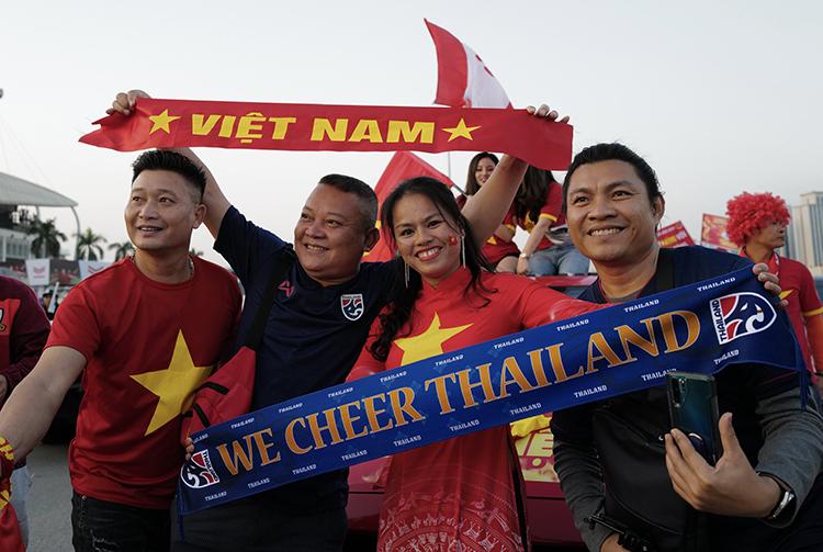 Trận Việt Nam - Thái Lan được nhận xét là siêu kinh điển tại bảng đấu đang có nhiều sự hấp dẫn.