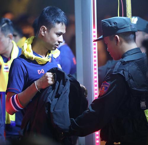 CĐV Thái Lan hừng hực đến Mỹ Đình không thua kém Việt Nam - 2