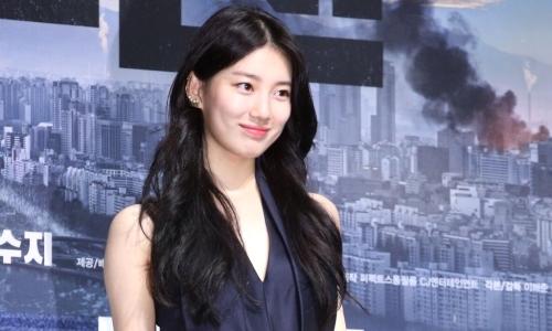 Suzy được khen đẹp như 'nữ thần' tại họp báo