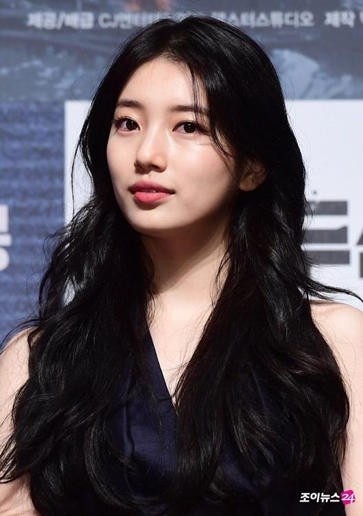 Suzy được khen đẹp như nữ thần tại họp báo phim bom tấn - 1