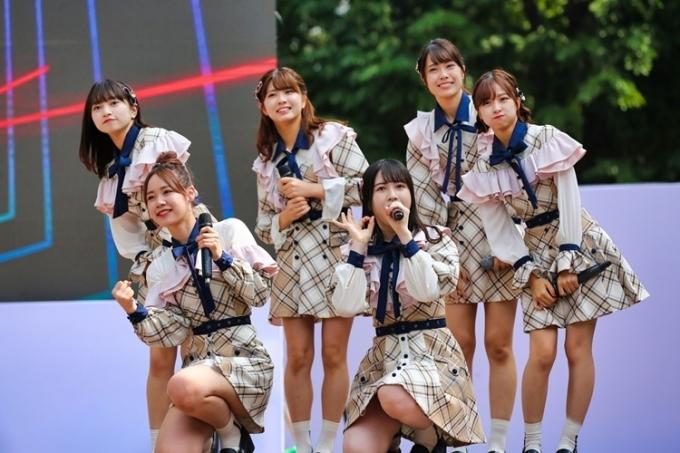 Các cô gái đến từ Nhật Bản luôn thể hiện sự thân thiện, ấm áp với đàn em.