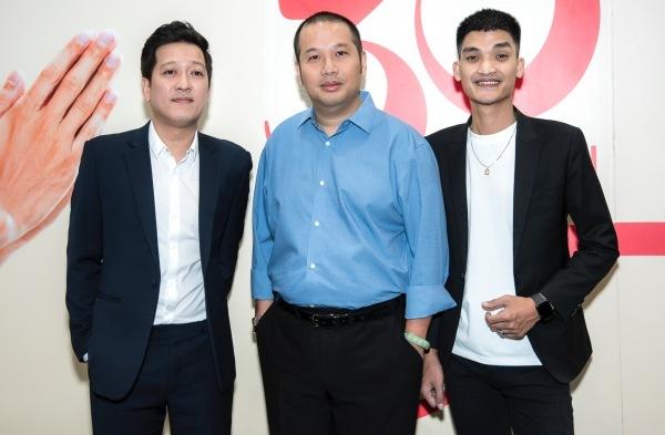 Trường Giang - Mạc Văn Khoa cùng đạo diễn Quang Huy.