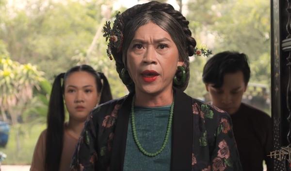 Hoài Linh bất ngờ xuất hiện trong phim.