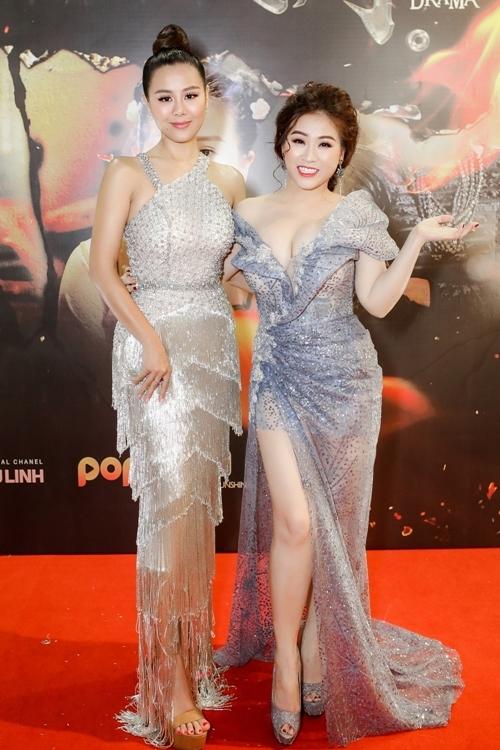 Kiều Linh và Nam Thư tại buổi ra mắt phim.