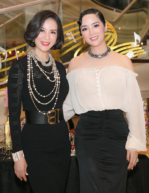 MC Thanh Mai và Hoa hậu Giáng My có mối quan hệ thân thiết. Nữ MC Sức sống mới luôn ngưỡng mộ và học hỏi nhiều kinh nghiệm trong cuộc sống từ đàn chị.