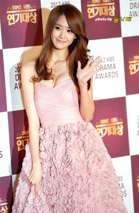 5 lần nữ thần thơ ngây Yoona gây bão vì bùng nổ sexy