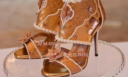 Buy or Not: Đôi giày cao gót gần 400 tỷ đồng?