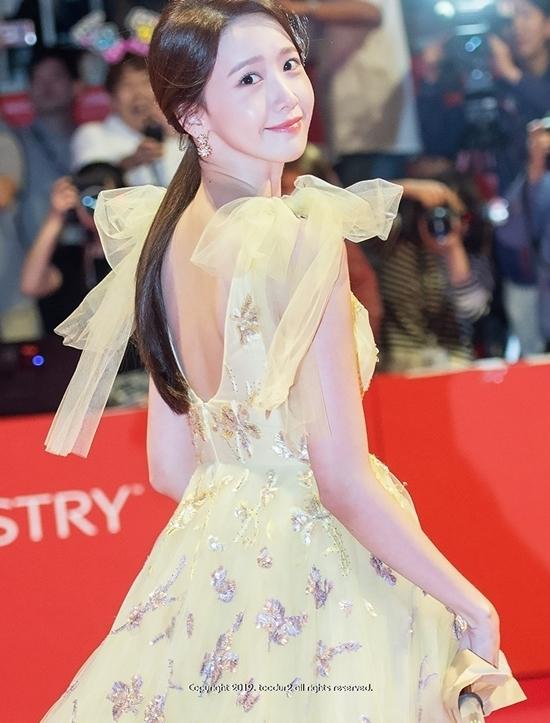 5 lần nữ thần thơ ngây Yoona gây bão vì bùng nổ sexy - 8