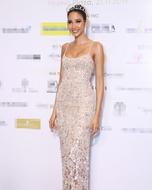 Đến Miss Universe 2019, Hoàng Thùy muốn truyền năng lượng tích cực, đặc biệt với phụ nữ. Cô hy vọng bản thân mang được chiếc vương miện Hoa hậu Hoàn vũ đầu tiên về cho Việt Nam.Ảnh:Kiệt Anh Kiều