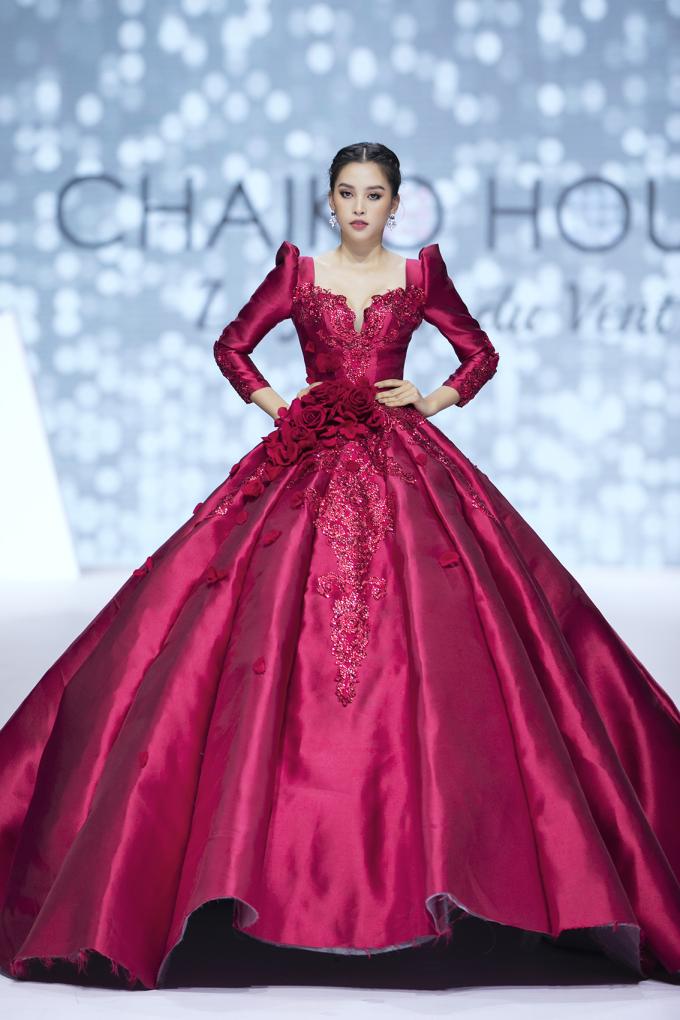 """<p> Top 3 Hoa hậu Việt Nam 2018 gồm Tiểu Vy, Phương Nga và Thúy An có dịp tụ hội trên sân khấu thời trang qua BST """"Le Jardin du Vent"""" của thương hiệu Chaiko House.</p>"""