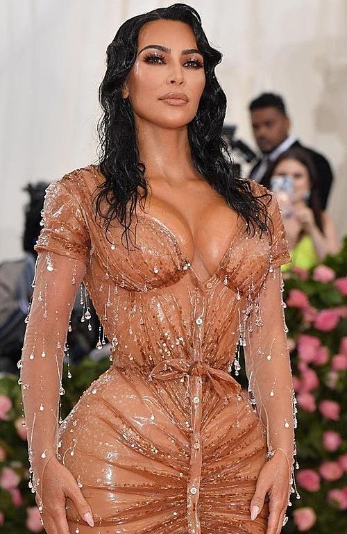 Chiếc váy gây xôn xao tại Met Gala 2019 (Ảnh: AFP).