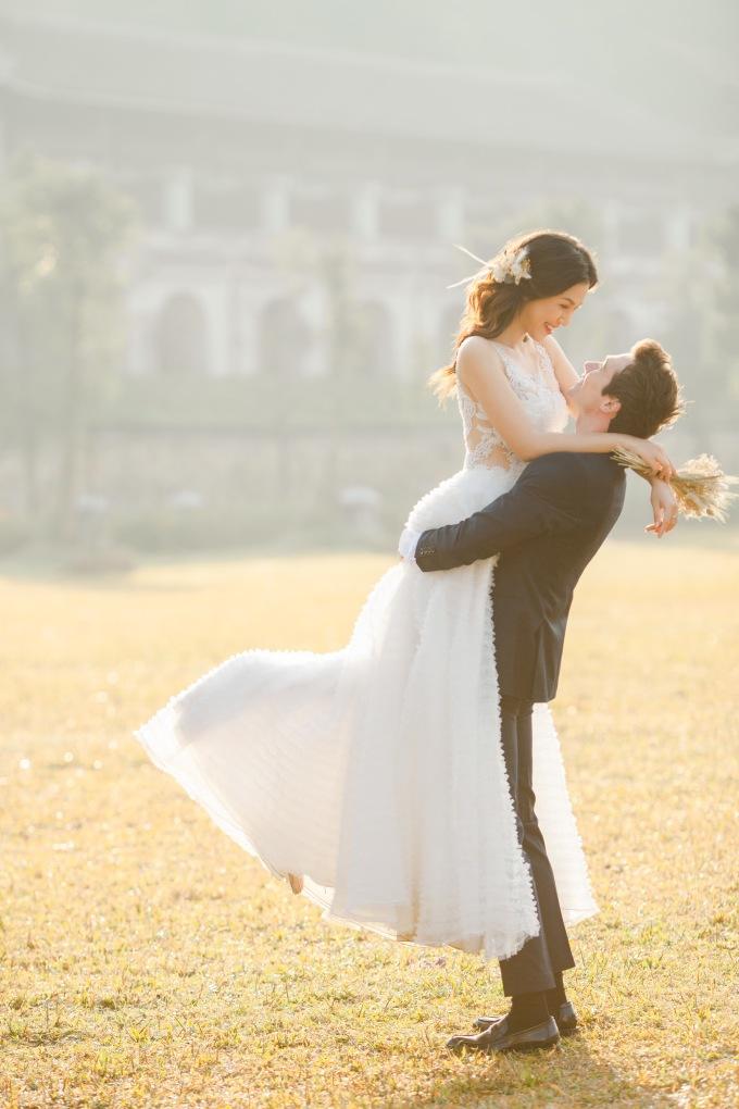 <p> Cô muốn nhiếp ảnh gia ghi lại những khoảnh khắc chân thành, cảm xúc nhất giữa hai người.</p>