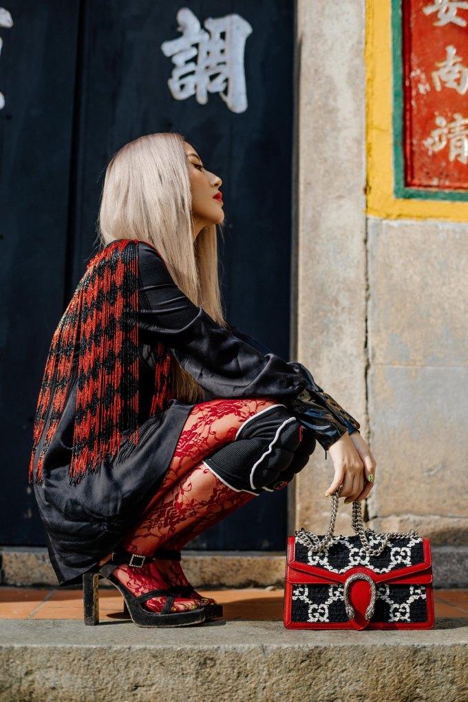 <p> Trong bộ ảnh được Quỳnh Anh Shyn thực hiện trước khi sang Đài Loan, cô gây ấn tượng khi thay đổi nhiều phong cách.</p>