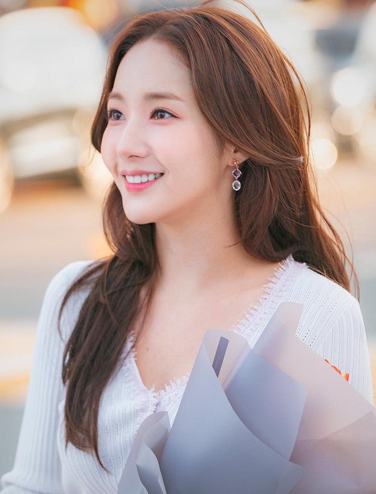 5 mỹ nhân trang điểm đẹp nhất trong drama Hàn 2019 - 1