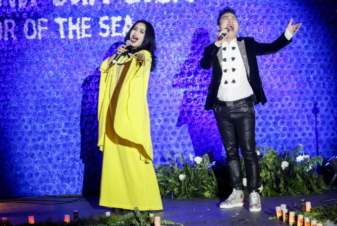 <p> Thanh Lam - Tùng Dương hát tặng mọi người.</p>